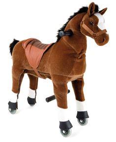 Deze bruine veulen ziet er zeer authentiek en kan zowel binnen als buiten gereden worden wanneer de ruiter maakt de juiste bewegingen. Deze zoete pony kan worden gestuurd naar links en naar rechts en heeft een aangenaam zachte huid. Het paard is geschikt voor kinderen van 3 tot 6 jaar. Gewichtsbeperkingen: 10 kg min. , 40 kg max.