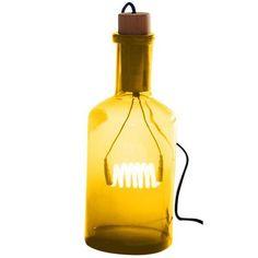 De Bouchè tafellamp van Seletti is een absolute eyecatcher voor je interieur. In de glazen fles hangt aan de houten stop een neon lamp.Door het gekleurde glas zorgt voor een sfeervolle verlichting.