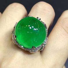 @emeraldboutique_ymt. #emeraldrjade#luxuryjewelry #emeraldjewelry #highjewelry #emeraldboutiquehouse