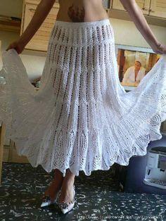 Belas saias, uma de tricô e outra de crochê.