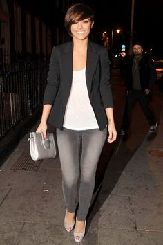 Grey jeans outfit ideas are absolutely a good idea which can be also tricky. Your dressing style is one of the easiest ways to express yourself. Outfit Jeans, Jean Outfits, Casual Outfits, Fashion Outfits, Outfits With Gray Pants, Looks Style, Casual Looks, Casual Chic, Work Fashion