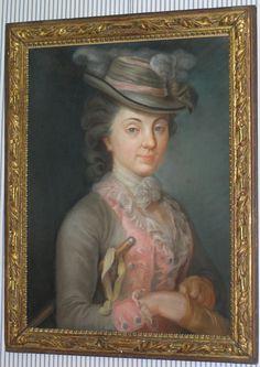 Pastel « Portrait de femme » inscrit au dos Mme Borel de Bitche, non signé. Cadre en bois doré sculpté Louis XVI, 18ème siècle.  http://www.moinat.ch/wp-content/uploads/article/images/GOU/05563%20GOU-725x1024.jpg