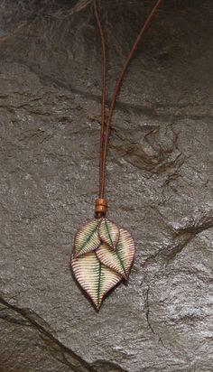 Mira este artículo en mi tienda de Etsy: https://www.etsy.com/listing/263298865/violet-leaves-necklace-boho-style-hippie