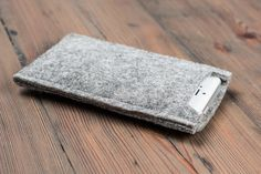 Hey, I found this really awesome Etsy listing at https://www.etsy.com/listing/224027142/xperia-z3-case-felt-xperia-case-sony