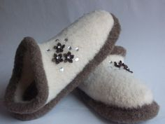 barefoot felt slippers  | Felted Wool Clog Slippers Sz 8 9 by hotflashknitting on Etsy
