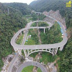 Jembatan 9 kelok Sumatra barat