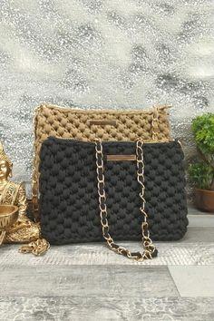 Τσαντάκι χειροποίητο πλεκτό 'Elpiniki' Μαύρο Womens Purses, Chanel Boy Bag, Shoulder Bag, Bags, Fashion, Handbags, Moda, Dime Bags, Fasion