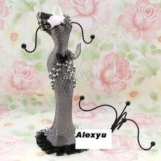 108 Best Victorian Mannequin Jewelry Holder Necklaces Images