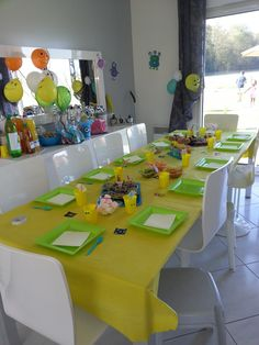 Table monstreuse