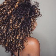 "795 Likes, 2 Comments - Kinks2Curls (@kinks2curls) on Instagram: ""#hairstyles #healthyhair #hair #hairgoals #coils #kinkycurly #kinkyhairdontcare #twistout…"""