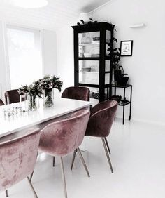 Dear design lover, are you ready for 10 Design Chairs For Your Modern Dining Room? Dining tables are important, they are the center of the dining room, but some modern dining chairs will light up your Dining Room Design, Dining Room Chairs, Dining Rooms, Office Chairs, Dining Tables, Dining Area, Lounge Chairs, Outdoor Dining, Modern Dining Chairs