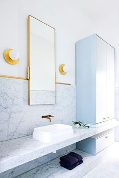 Architecture firm Hecker Guthrie designed this absolutely gorgeous Melbourne home as seen in Vogue Living. My favorite–The bathroom! Bad Inspiration, Bathroom Inspiration, Bathroom Ideas, Bathroom Designs, Bathroom Renos, Bathroom Inspo, Bathroom Design Luxury, Bathroom Interior, Bathroom Remodeling