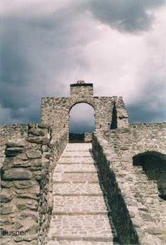 lunigiana pontremoli castello del piangano foto lazonasusner
