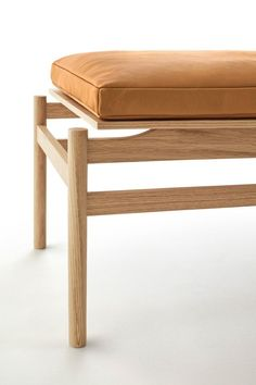 Bench Furniture, Diy Furniture Projects, Furniture Styles, Handmade Furniture, Wooden Furniture, Furniture Design, Showroom Interior Design, Bench Designs, Diy Sofa