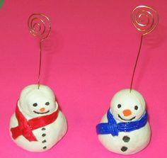 Bonhommes de neige en argile.