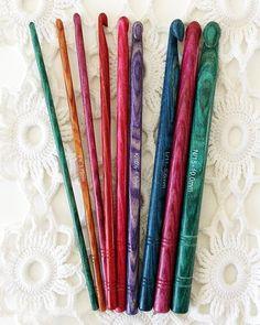 Picture of Dreamz Symfonie Wood Crochet Hook Set (Single Ended). On my Wish List! Crochet Hood, Crochet Hook Set, Crochet Needles, Crochet Stitches, Free Crochet, Crochet Patterns, Knitting Needles, Tunisian Crochet, Free Knitting
