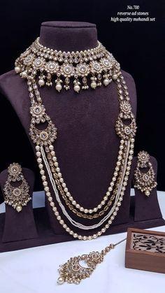 Wedding Jewellery Designs, Wedding Jewelry, Jewelry Design, Bridal Necklace Set, Bridal Jewelry Sets, Kundan Set, Girls Jewelry, Temple Jewellery, Blouse Neck