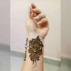 Arabic Henna Designs, Mehndi Designs 2018, Stylish Mehndi Designs, Mehndi Designs For Fingers, Beautiful Henna Designs, Simple Mehndi Designs, Henna Tattoo Designs, Short Mehndi Design, Mehndi Design Pictures