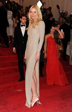 Gwyneth Paltrow wears a beautiful dress