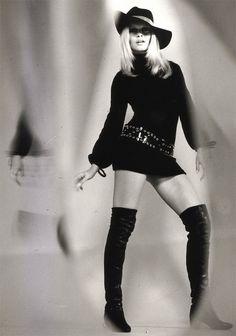 Brigitte Bardot - love this look