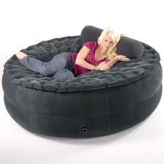 Human Cat Bed *** Smart Air Beds Sumo Sized Inflate-a-Sac Ultimate Inflatable - Jumbo Air Bed, Super Beanless Bean Bag Chair/Cocoon Chill Chair, Love Seat Sofa & Lounger Puf Grande, Oversized Bean Bag Chairs, Bean Bag Couch, Inflatable Furniture, Inflatable Bed, Creative Beds, My Pool, Chair Bed, Air Chair