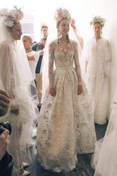mode fashion bridal naeem khan - fashion mode with mary Bridal Dresses, Wedding Gowns, Bridesmaid Dresses, Flapper Dresses, Modest Dresses, Naeem Khan Bridal, Long Sleeve Wedding, Bridal Fashion Week, Plus Size Wedding