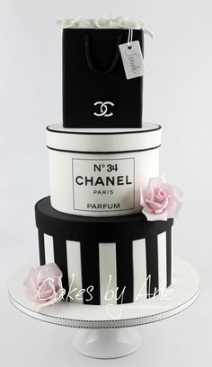 Cakes by Ane – Fashion cake – chanel Elegant Birthday Cakes, Beautiful Birthday Cakes, Elegant Cakes, Beautiful Cakes, Chanel Birthday Cake, 16 Birthday Cake, Birthday Cakes For Women, Birthday Cookies, Bolo Channel