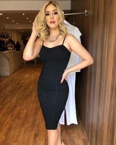 a3db312a21 Vestido midi preto  60 modelos maravilhosos para todas as ocasiões