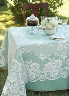 Wedding Reception Food Victorian Rose Rectangle Tablecloth by Heritage Lace. Perfect lace decor for a wedding reception. Vintage Tea Parties, Vintage Party, Vintage Theme, Wedding Vintage, Lace Decor, Wedding Decorations, Table Decorations, Centerpieces, Party Stuff