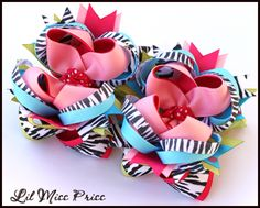 I love making these boutique bows in all colors and prints! They are tooooo fun! And super easy... ♥kw