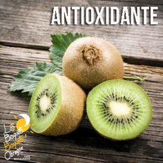 El Kiwi es una fruta con alto contenido en antioxidantes, ayuda a retrasar el envejecimiento celular e hidrata tu piel. Además tiene un alto contenido de vitamina C y potasio que intervienen en el mantenimiento de tus huesos, dientes y vasos sanguíneos. ¿Te gusta? #BisquetsObregón #LBBO #Kiwi #Beneficios.