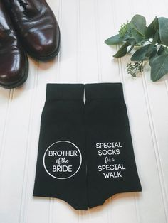 Brother of the bride gift, father of the bride gift, special socks for a special walk, wedding party gift, brother gift from bride. Brother Wedding Gifts, Gifts For Brother, Gifts For Wedding Party, Wedding Ideas, Wedding Stuff, Brother Brother, Wedding Shit, Party Gifts, Wedding Things