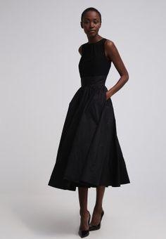 Swing Sukienka koktajlowa - black za 469 zł (21.11.15) zamów bezpłatnie na Zalando.pl.