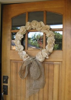 The Adventures of Stig and Lolo: Fall Decorating Inspiration Mimi Love, Front Door Decor, Front Doors, Romantic Homes, How To Make Salad, Burlap Wreath, Shabby Chic, Wreaths, Seasons