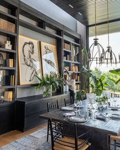 Large format art in bookcase dark paint colors Home Interior Design, Interior And Exterior, Interior Decorating, Dining Room Inspiration, Home Decor Inspiration, Design Hotel, House Design, Design Offices, Office Designs