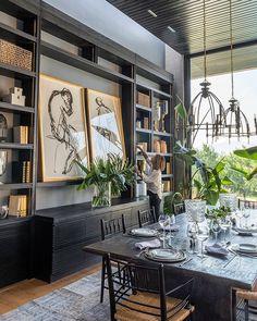 Large format art in bookcase dark paint colors Dining Room Inspiration, Home Decor Inspiration, Design Hotel, House Design, Design Offices, Modern Offices, Office Designs, Home Interior Design, Interior Decorating