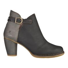 A women's shoe store located in Portland, Oregon. Stylish & comfortable since We also offer jewelry, handbags, sunglasses, scarves and more! How To Feel Beautiful, Comfortable Shoes, Booty, Ankle, Handbags, Sunglasses, Shoe Bag, Stylish, Heels