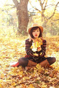 Keiko Lynn, fall attire
