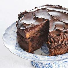 These are the most delicious chocolate cake recipes I have found through trying tons of different variations of chocolate cake. Pie Cake, No Bake Cake, Köstliche Desserts, Delicious Desserts, Cake Cookies, Cupcake Cakes, Sweet Recipes, Cake Recipes, Baking Bad