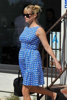 me encanta su vestido. con o sin embarazo