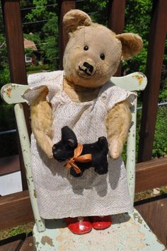 pointy nose 19 Antique teddy bear with her by bebesandbruins