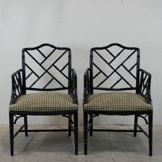 PAREJA DE SILLONES AÑOS 60. - Realizados en madera lacada en negro imitando el bambú. Acabado  y tapicería con muelles original. Necesita cambiar la tela de la tapicería. España.