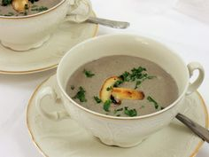 Krémová žampiónová polévka Tea Cups, Tableware, Kitchen, Dinnerware, Cooking, Tablewares, Kitchens, Dishes, Cuisine