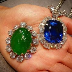 Breathtaking @christiesjewels jewels! A #jadeite and #diamond brooch and a #sapphire necklace with an incredible number of #diamonds #christiesjewels