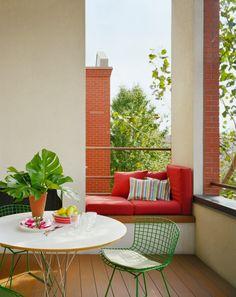 Green Bertoia chair