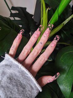 Pink cow print press on nails Bright Summer Acrylic Nails, Square Acrylic Nails, Best Acrylic Nails, Cow Nails, Aycrlic Nails, Edgy Nails, Grunge Nails, Nail Swag, Witchy Nails