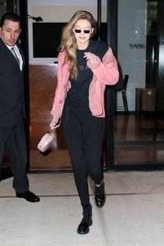 abigaylexoxo Gigi Hadid Body, Bella Hadid Style, Gigi Hadid Photoshoot, Gigi Hadidi, Bella Hadid Outfits, Androgynous Look, Just Style, Model Street Style, Girl Crushes