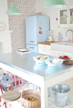 Cath Kidston/country kitchen