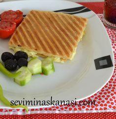 Milföy ile kolay tariflere devam nefis bir lezzet farklı bir alternatif olan milföy hamuru ile tost yapabileceğinizi biliyor muydunuz ? TARİFİN DEVAMI