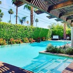 @vacationpalmsprings just posted this pool property on Facebook :-) I saved it because this pool design could work in my yard. It's the right shape :)) #pooldesign #midcentury by crochetgirlbybay Creative backyard pool designs.